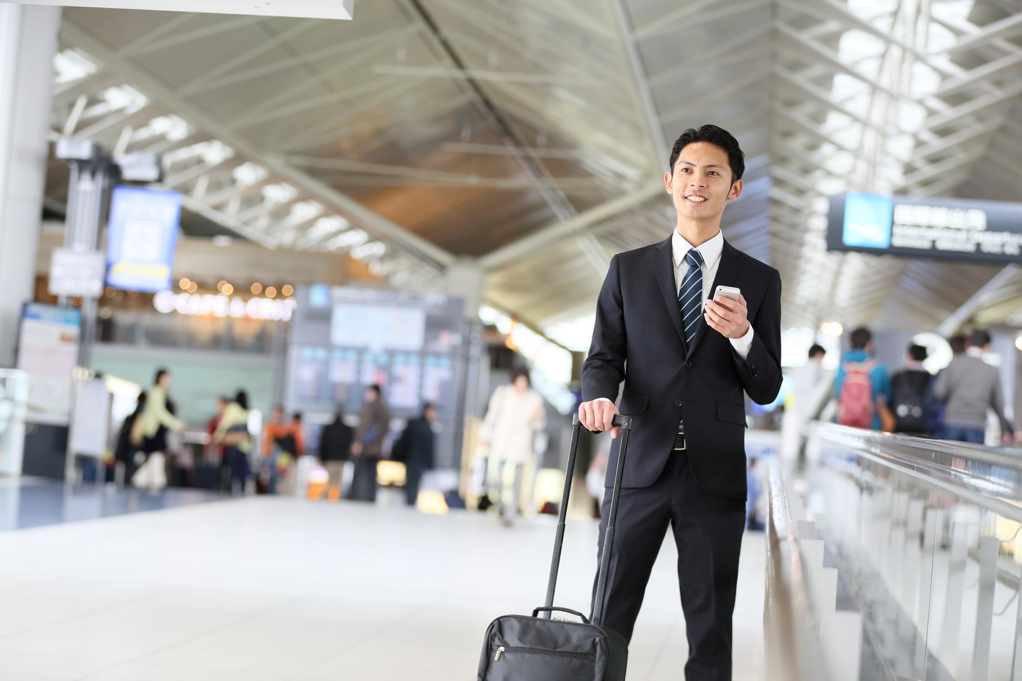 アメリカに出張に行く日本人ビジネスマン