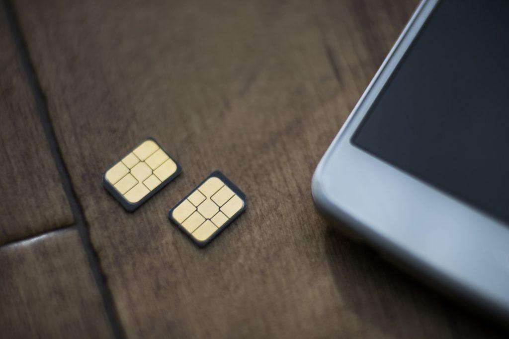 日本のスマホとアメリカの現地SIMカード