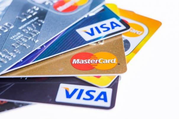 クレジットカードの保有枚数