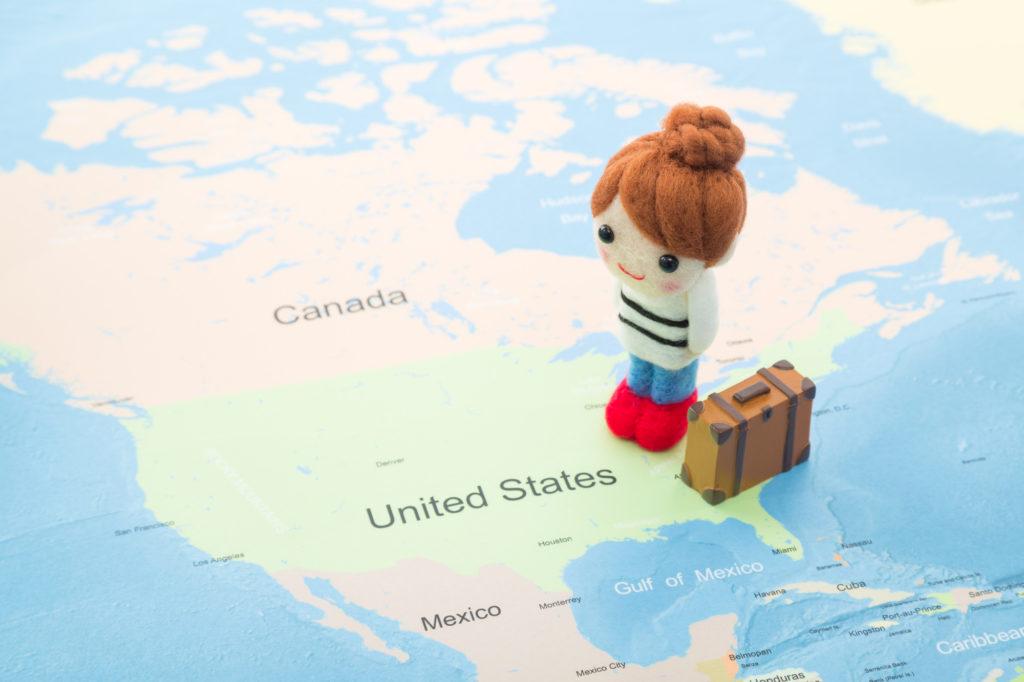 アメリカ留学を検討する女性